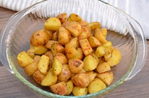 Easy Roasted Garlic Potatoes