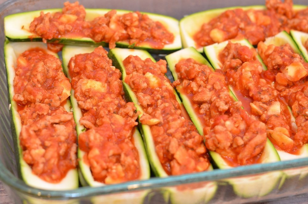Zucchini boats with Italian sauce